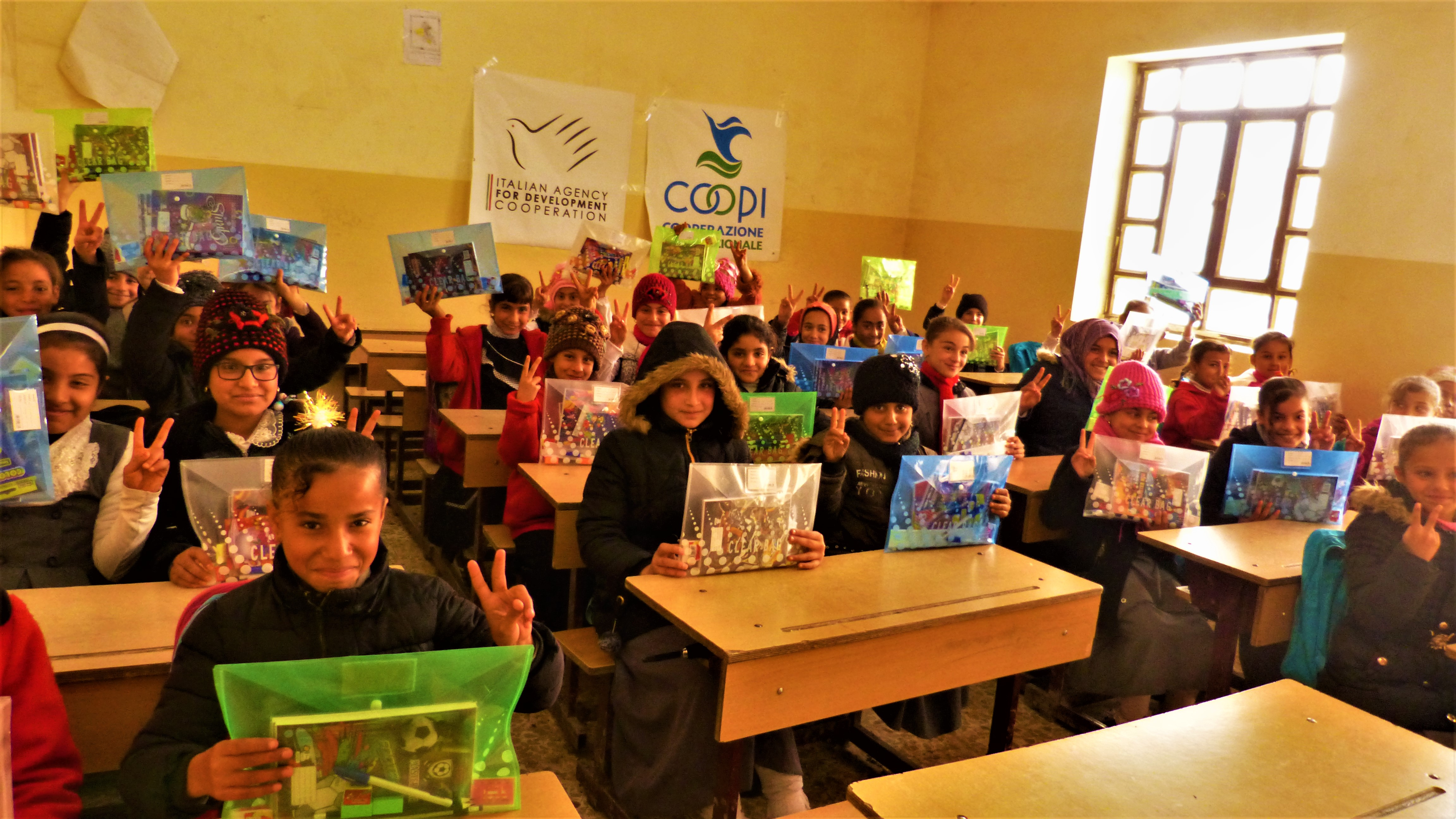 Text and notebooks for Raya and 945 displaced children in Iraq